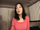Busty MILF mom Car Blowjob outdoor pov
