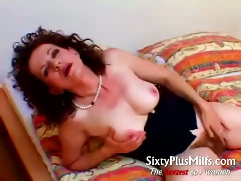 Porno Video of Hairy Solo Granny Sue Bella
