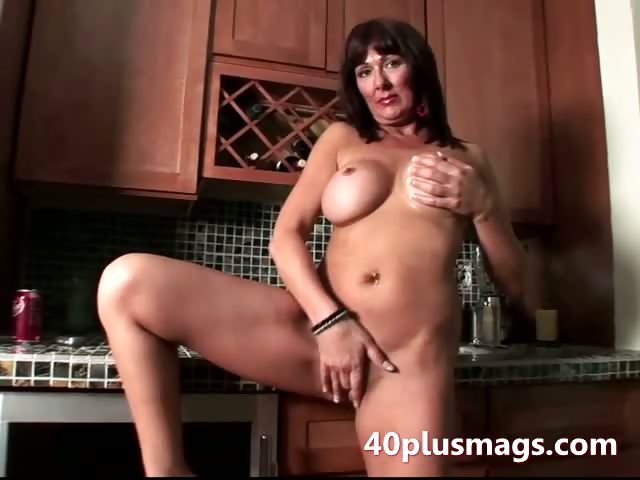 Porno Video of Real Experienced Housewife