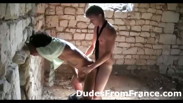 Porno Video of Gay French Guy Assfucks Dude Hard Against The Wall