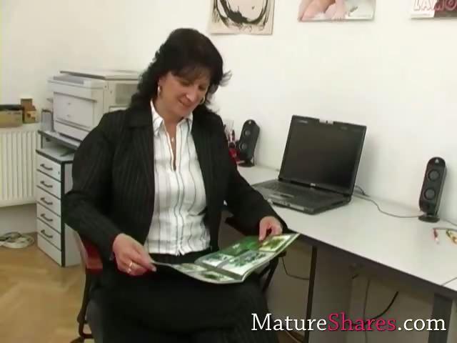 Porn Tube of Mature Secretary Giving Pov Blowjob