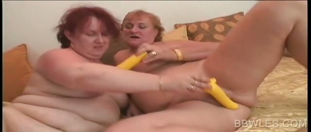 Porno Video of Mature Bbw Lesbos Dildoing Cunts