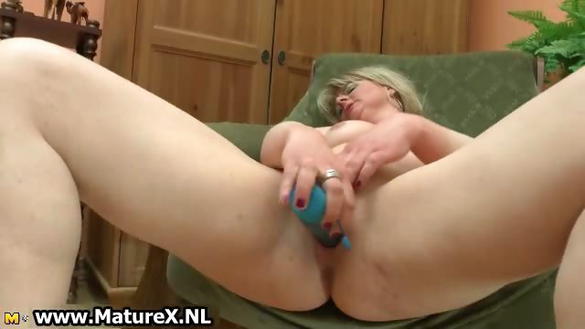 Porno Video of Dirty Mature Housewife Fucking
