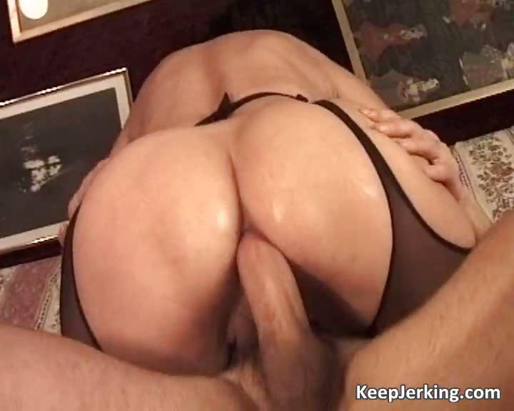 Porn Tube of Mature Slut Gets Tight Asshole Fucked