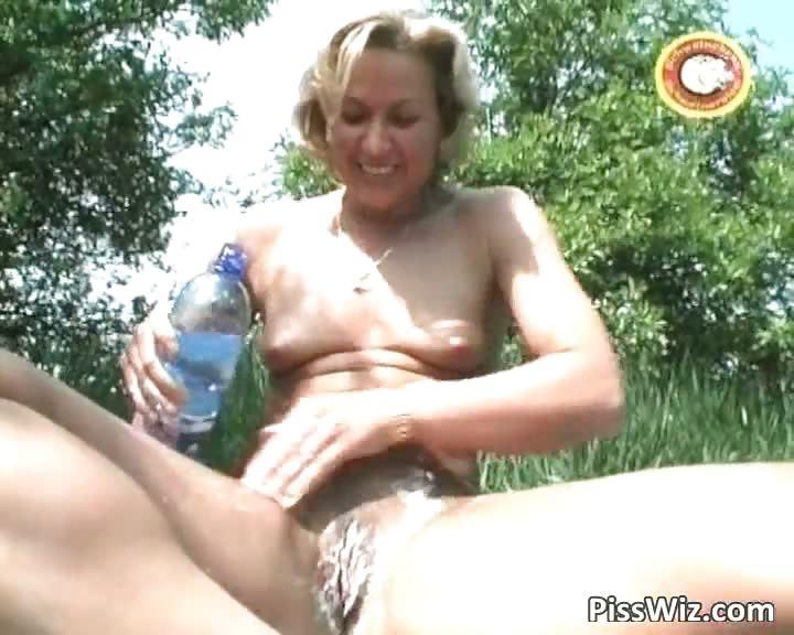 Porno Video of Mature Blonde Slut P1sses Outside