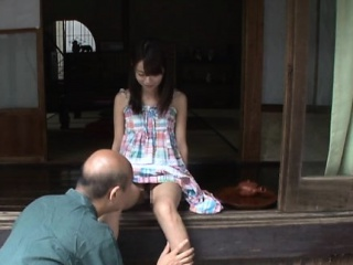 Asian Looker Gives A Good Blowjob And Gets Fucked Hard