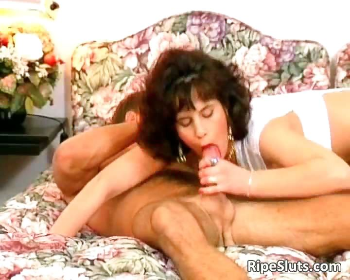 Porno Video of Horny And Hot Mature Brunette Gets Wet