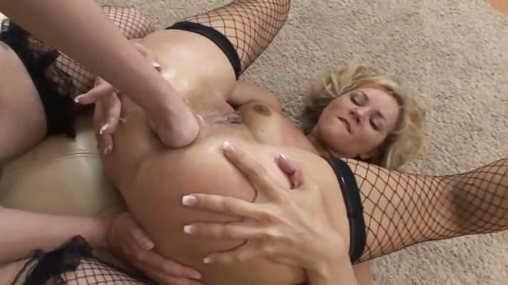 Porn Tube of True Love For Brutal Analhole Fisting