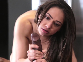 Awesome Sarah Luvv Gets Her Pussy Fucked In The Kitchen By Bbc