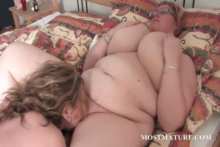 Bbw delys squirt and thunder 10