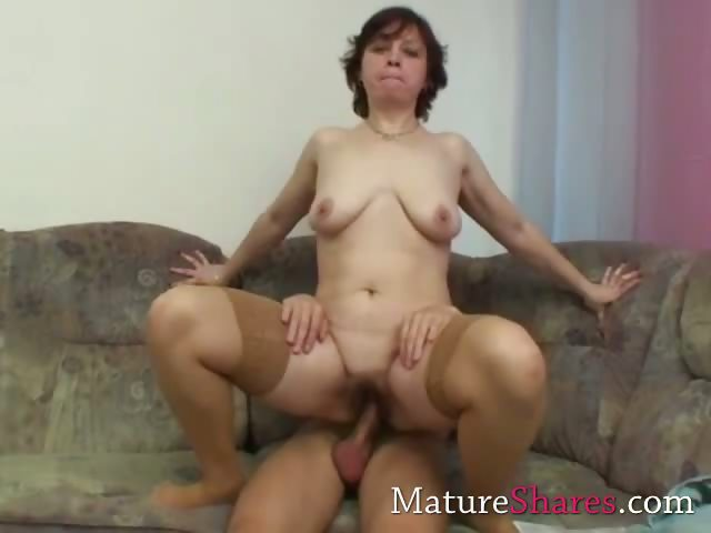 Porn Tube of Granny Gets Her Hairy Pussy Stretched