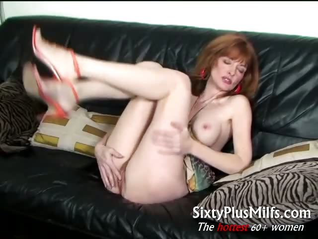 Porno Video of Sexy Slender Mature Babe
