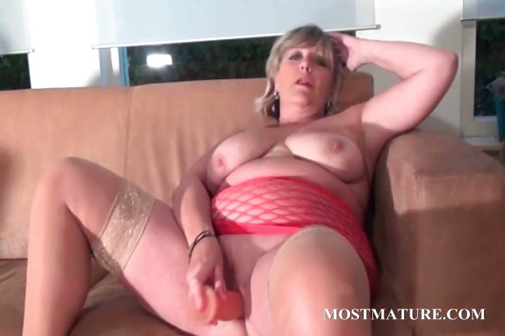 Porn Tube of Bbw Blonde Dildo Fucks Her Mature Cunt