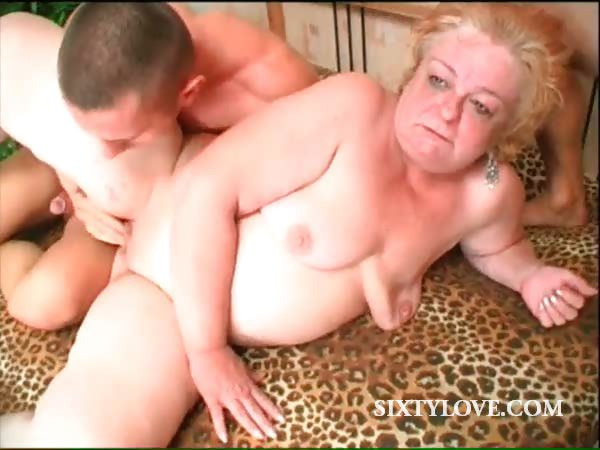 Porn Tube of 3some With Mature Sucking And Fucking Dicks