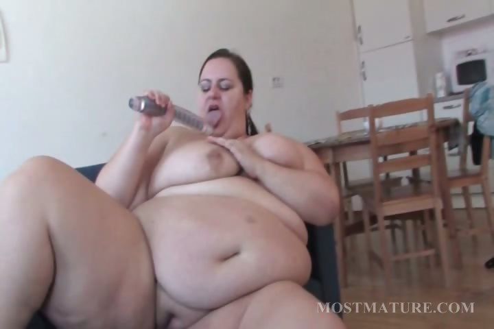 Porno Video of Mature Bbw Works Her Tits With A Dildo