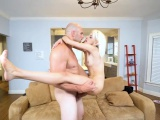Nympho bubble butt Hime fucks stepdad