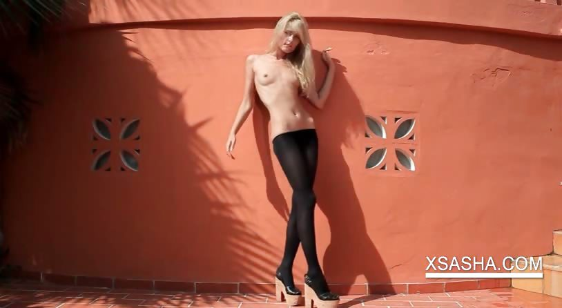 Porno Video of Outdoor Sexy Solo Scene With Topless Sasha