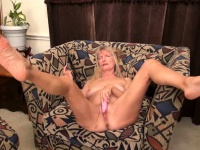 OmaGeiL Hot Old Mature Lady Seductive Solo Play | Porn-Update.com