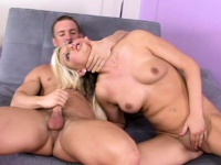 Blonde chick playing with herself and pleasing him | Porn-Update.com