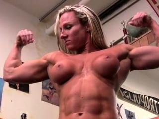 Naked Female Bodybuilder Shows Big Clitoris