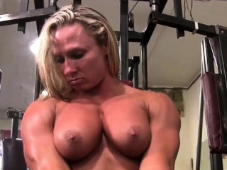 Ripped Female Bodybuilder Shows Off Her Muscles And Big Clitoris