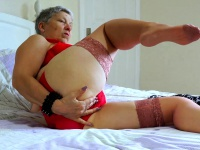 EuropeMaturE Older Lady Seductive Solo Striptease | Porn-Update.com