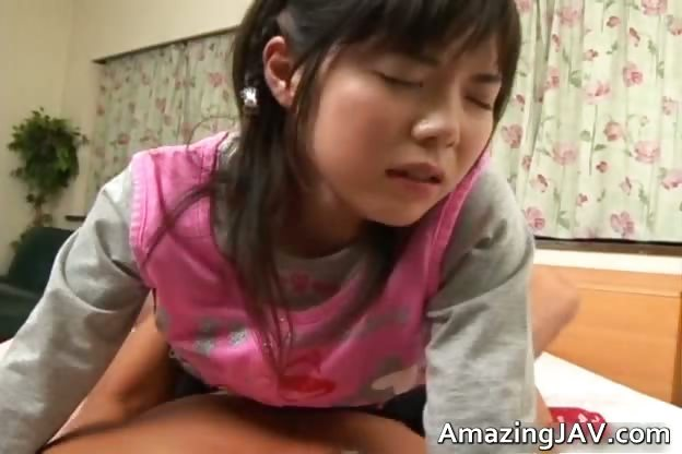 Porn Tube of Pretty Asian Schoolgirl Gets A Warm