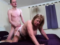 British chubby mature bitch Auntie Trisha doing her toyboy | Porn-Update.com