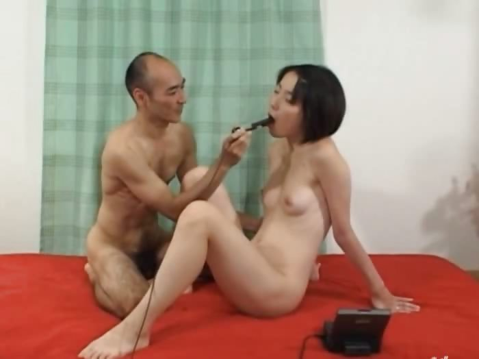 Porno Video of Deep Anal Sex With Hairy Japanese Model