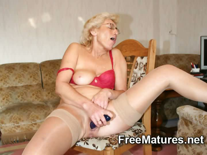 Porno Video of Grandmom In Pantyhose Masturbating With Dildo