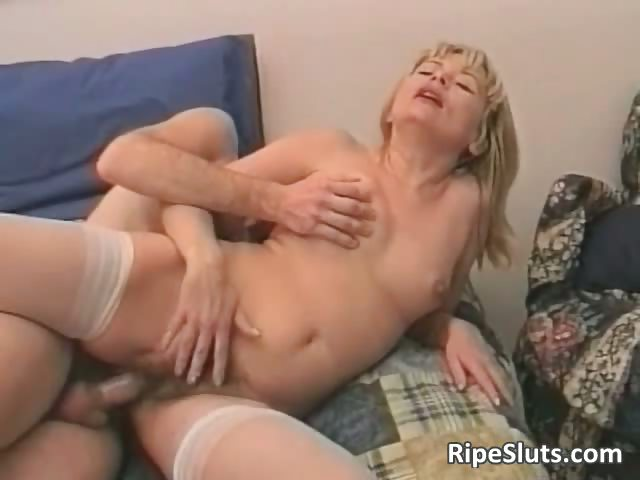 Porn Tube of Horny Mature Blonde Slut Gets That Hairy