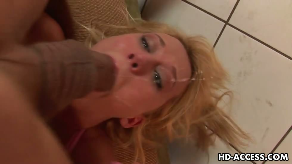 Porno Video of Hardcore Carly Parker Serious Deepthroat