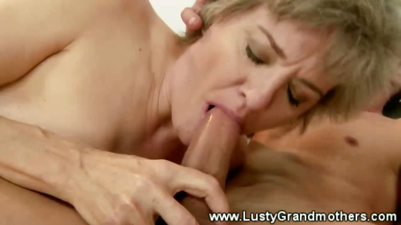 Sex Movie of Mature Granny Pussy Sucked After Giving Blowjob
