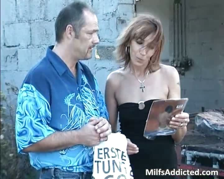 Porno Video of Outdoor Session With Kinky Brunette Milf