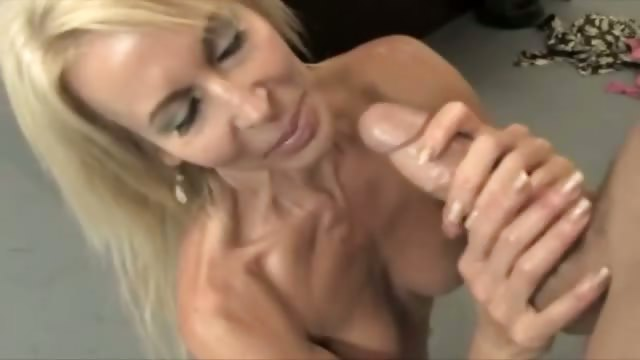 Porno Video of Mature Teacher Is Greasing The Pole
