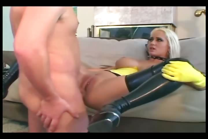Porno Video of Anal Sex In Latex Gloves Stilettoes And Stockings