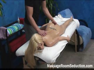 Sex Movie of Massage Therapist Seduces Hot Girl!
