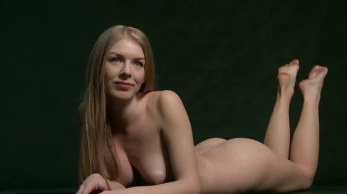 Porno Video of Freckled Fetching Babe Teasing In Room
