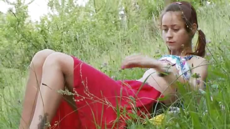 Porn Tube of Hungarian Natashas Back To Nature