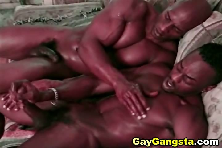 Porno Video of Big Black Muscle Gay Partners