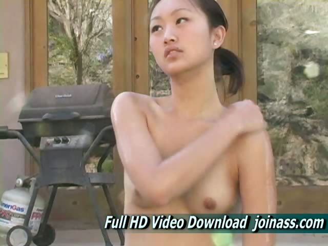 Porno Video of Tia Turned 18, This Gorgeous Chinese Teen