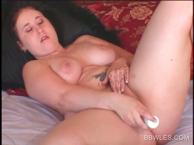 Porn Tube of Bbw Naked Hoe Vibrating Her Lusty Twat In Bed