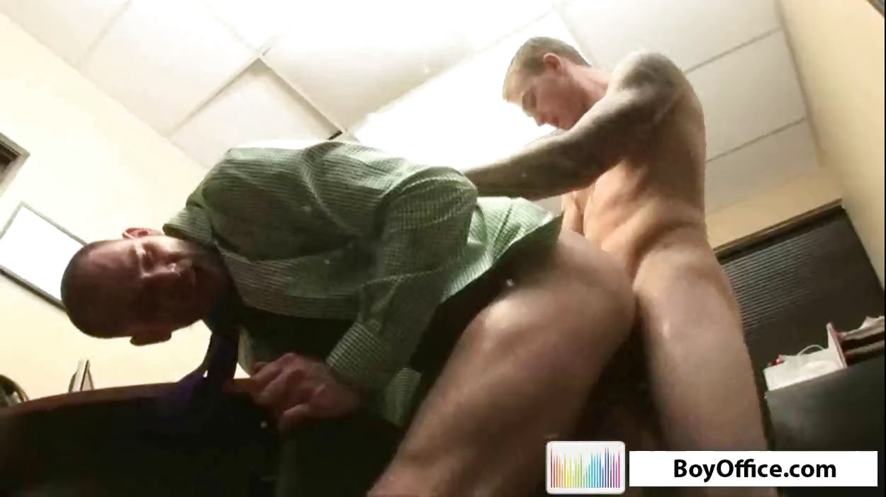 Sex Movie of Office Boys Having Hardcore Gay Ass Fucking Action On The Desk