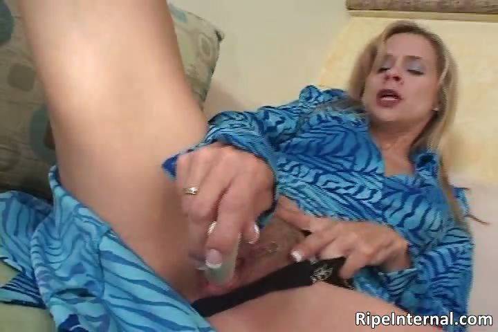 Porno Video of Hot Sexy Nasty Milf Blonde Slut
