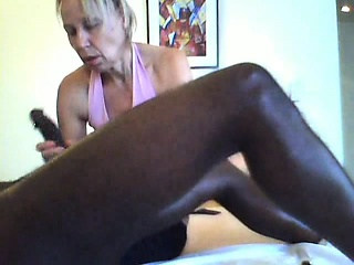 white mature woman gives a great massage to bbc