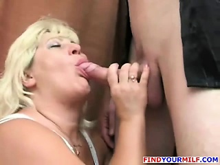 busty mature slut suck dick get her pussy licked