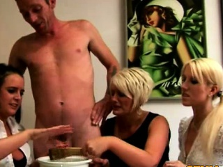 eurų cfnm milfs collecting jo cum