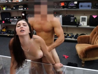 amateur college girl lap dance and fucked in the backroom