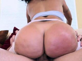phat ass latina milf julianna vega gets fucked