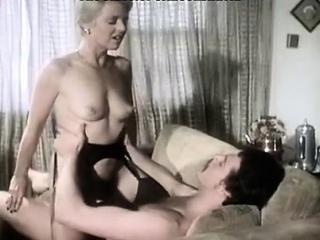juliet anderson ron hudd i varmt 80's porno video med